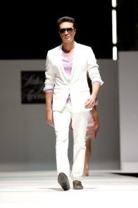 Saks Fifth Avenue - Dubai SS11